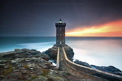 B L A Z E (FredConcha) Tags: red sea sky lighthouse france landscape bretagne farol leconquet nikond800 kernt fredconcha merorvan