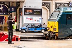"Photographing a ""67"" (Nodding Pig) Tags: uk greatbritain england london station railway paddington locomotive alstom generalmotors 2016 emd dieselelectric class67 67010 201602142133101"