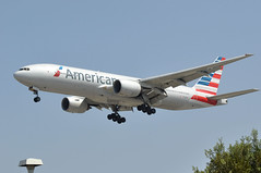N752AN  LAX (airlines470) Tags: airport american msn lax airlines 777 ln 339 777200 n752an 777200er 30260 777223er 777223