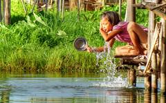 Ablutions (Saint-Exupery) Tags: leica lake lago candid burma myanmar inlelake robado birmania lagoinle