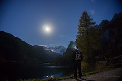 Gosausee (rio.gappmaier) Tags: moon lake berg night stars lights austria see sterreich gletscher dachstein obersterreich sterne langzeitbelichtung gosau upperaustria gosausee vorderergosausee sonyalpha6000