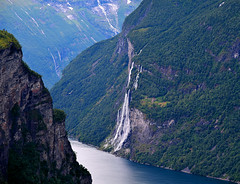The houses on the edge of an abyss (Sizun Eye) Tags: norway nikon farm falls unesco waterfalls d750 fjord nikkor worldheritage geiranger geirangerfjord mreogromsdal 24120mm knivsflfarm nikkor24120mmf4 nikond750 thesevensistersfalls