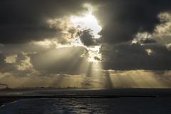 Sunset at the Ocean (L'amarti) Tags: de pier tramonto nuvole mare scheveningen cielo inverno pioggia spiaggia olanda vento oceano onde orizzonte
