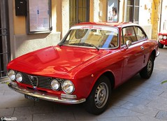Alfa Romeo Giulia GT 1300 Junior (Alessio3373) Tags: alfaromeo oldcars classiccars worldcars alfaromeogiuliagt1300junior giuliagt1300junior giuliagtjunior