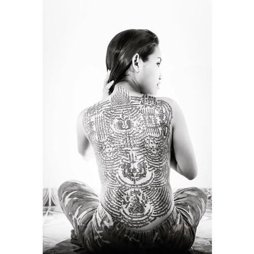 Sak Yant tattoo by Ajarn Meuk www.facebook.com/ajarnmeuk #orangemarcus #iam_orangemarcus #thai #sakyant #ajarnmeuk #tattoo #tattoos #yantra #tattooart #sakyantmagicaltattoo #sakyanttatoos #chaam #huahin #thaitattoo #sakyantlife #tattooedwomen