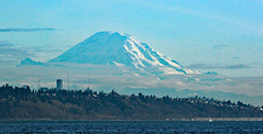 IMG_5723CE1 - South of Kingston WA - Seattle and Mount Rainier (BlackShoe1) Tags: seattle volcano washington wash mountrainier rainier cascades wa pugetsound shilshole shilsholemarina mounttahoma cascadesmountains
