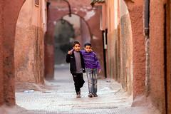 Two childrens in Marrakesh (Cristin Prez) Tags: maroc marrakech marrakesh argana
