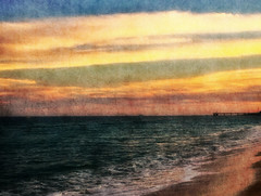 """Por los 8 años de mi grupo """"Los mejores momentos de tu día"""": El mar y el cielo (☮ Montse;-)) (ON/OFF)) Tags: sol mar nubes grupo angharad miembros regalito administradores losmejoresmomentosdetudía 8cumpleaños"""