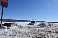 Corps takes first Lake Pepin ice measurements of the season (St. Paul District, U.S. Army Corps of Engineers) Tags: navigation lakepepin usarmycorpsofengineers corpsofengineers stpauldistrict icemeasurements