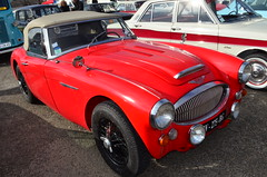 Austin Healey 3000 MK3 (benoits15) Tags: automotive automobile anciennes retro old prestige festival flickr historic motor meeting car coches classic cars collection voiture vintage nikon nimes uk british english england austin healey 3000 mk3 worldcars