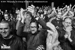 2016 Bosuil-Het publiek bij Bail en King King 11-ZW