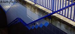 rampe bleue (hobbyphoto18) Tags: blue france tile pentax bleu handrail nordpasdecalais escalier rampe k50 pentaxk50
