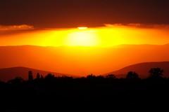 Lomero en tonos naranja (Mauriciove00) Tags: red mxico atardecer rojo cielo morelos resplandor tlacotepec zacualpandeamilpas chicomocelo