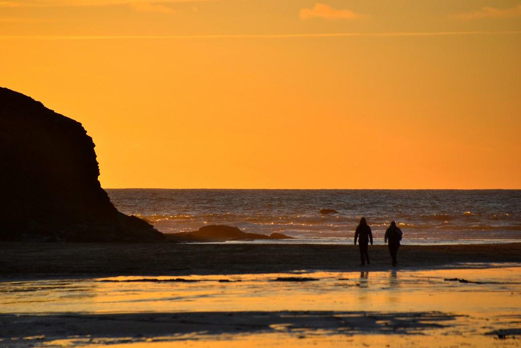 Sunset Porthcothan beach & Silhouettes,  Nikon D3100.  DSC_0606.