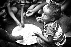La felicità in un piatto di riso - Happiness in to bowl of rice (daniele romagnoli - Tanks for 15 million views) Tags: africa travel portrait people nikon tribal tribes afrika omovalley tradition ethiopia tribe ethnic ritratto cultura tribo ethnicity afrikan d800 afrique ethnology tribu africano omo äthiopien etiopia 非洲 etnico ethiopie africani etnia tradizione tribale アフリカ ethnique etnias エチオピア etiopija ethnie omoriver 아프리카 tribali 埃塞俄比亚 etiopien 埃塞俄比亞 etiyopya אתיופיה африка أفريقيا эфиопия 에티오피아 αφρική أثيوبيا αιθιοπία valledellomo племя 種族 romagnolidaniele 部族 етиопија 比亚 इथिय 民族性 ोपिया этниче