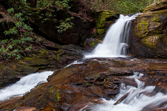 Dodd Creek Falls (John Cothron) Tags: longexposure winter cold nature water digital forest morninglight waterfall moss outdoor hiking trails sunny falling granite environment flowing clearsky cpl fissure protected crevice ravenclifffallstrail ravenclifffalls circularpolarizingfilter chattahoocheeoconeenationalforest 35mmformat johncothron canoneos5dmkii cothronphotography zeissdistagont352ze doddcreekfalls chattahoocheewildlifemanagementarea ©johncothron img13041160312