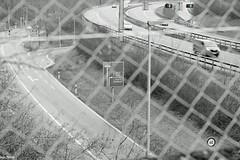 Kurve (auschmid) Tags: schweiz autobahn brcke gitter verkehrszeichen wegweiser sal85f14z bernwest theperfectx slta99 auschmid