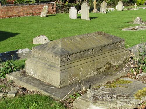 Hilmarton: St Laurence's Churchyard (Wiltshire)
