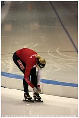 Natalia Czerwonka, preparing for the 1500 Meter Ladies (Dit is Suzanne) Tags: netherlands availablelight nederland warmingup heerenveen speedskating thialf  views150 img5974  beschikbaarlicht canoneos40d langebaanschaatsen nataliaczerwonka  sigma18250mm13563hsm  1500meterladies ditissuzanne 12032016 essentisuworldcups20152016 isuworldcupheerenveenfinalsmarch11132016 nataliaczerwonkov