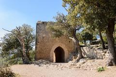 Entdeckungstour auf Mallorca (2) (Schwubb) Tags: holiday spring nikon warm urlaub pass warmth hike tor orient mallorca fortress wandern frhling balearen festung wanderurlaub castelldalaro d7000 burgruinealaro