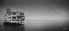 Club maritimo de Santander/ Santander yatching club (Jose Antonio. 62) Tags: sea espaa building water beautiful photography mar spain agua colours edificio santander cantabria