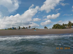 DSCN2038 (petersimpson117) Tags: lima pantai pererenan