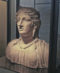 A2587ROMb (preacher43) Tags: italy rome art history urn museum roman statues colesseum