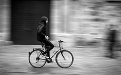 No Hands (Sven Hein) Tags: street people blackandwhite bw man bike bicycle spring leute cyclist candid strasse sony streetphotography streetlife menschen explore mann alpha schwarzweiss panning fahrrad 6000 frhling nohands radfahrer ilce freihndig strassenfotografie