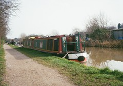 op - along the canal (johnnytakespictures) Tags: film nature water pen river boat canal lomo lomography stream natural path olympus longboat analogue halfframe barge nuneaton ee3 toepath lomographycn400