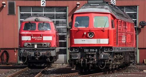 20.08.2006 Oberhausen Osterfeld. RAILION DB Logistics 225 017, RaiLion 232 359