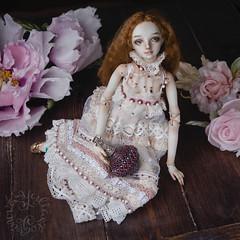 Enchanted Doll (jullery) Tags: flowers girls portrait flower girl beauty beads model bead bjd porcelain pendant enchanted beadwork silkflower marinabychkova enchanteddoll fabricflowers beadsofglass porcelainbjd