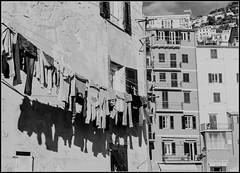 Wäsche am Fenster in Italien