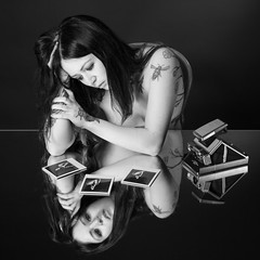 Meelyn (Knipsbildchenknipser) Tags: bw girl monochrome tattoo nude polaroid sx70 mirror blackwhite akt spiegel sw schwarzweiss impossible meelyn