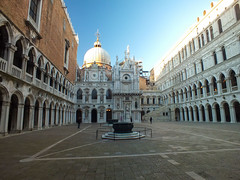 Doge's Palace (- Ozymandias -) Tags: venice italy italia it canals venezia veneto ιταλία βενετία ευρώπη