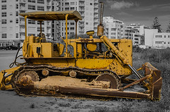 Cat D4, 479 (_Rjc9666_) Tags: street bw portugal cat caterpillar machinery algarve urbanphotography d4 479 1374 armaodepera selectivecolors nikkor35mm18 nikond5100 ruijorge9666 enginerie