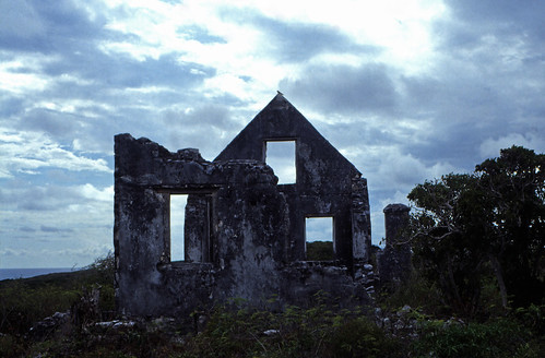 "Bahamas 1989 (713) San Salvador: Watling's Castle • <a style=""font-size:0.8em;"" href=""http://www.flickr.com/photos/69570948@N04/25447595023/"" target=""_blank"">View on Flickr</a>"