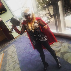 #thor #themightythor #avengers #yoestoyenlamole #midiaenlamole #lamolecomiccon #cosplay #heroe (davidpuma) Tags: square squareformat lark iphoneography instagramapp uploaded:by=instagram