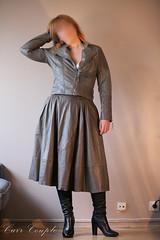 elle216 (Cuir Couple) Tags: leather bondage skirt bdsm master jacket jupe mistress veste leder matre pant pantalon cuero cuir hosen cravache maitresse martinet cuissardes