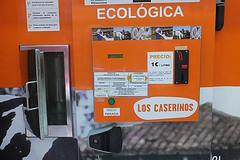 DSCF4011 (Jusotil_1943) Tags: letreros leche maquina tragaperras ecologica
