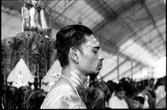 Panguni Celebration - Singapore (waex99) Tags: leica film analog march pain singapore kodak indian faith trix rangefinder celebration epson ritual singapour hindu m6 rituel rubby argentique souffrance relgion foix 2016 yishun v500 panguni pangunimsingapore