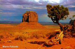 USA: Arizona: Monument Valley (mariofalcetti) Tags: arizona landscape rocks unitedstates monumentvalley rocce paesaggio