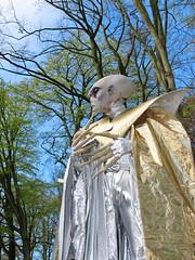 We come in peace (Mattijsje) Tags: holland netherlands costume alien creepy creature haarzuilens wecomeinpeace 2016 kostuum verkleed buitenaards wezen elfia