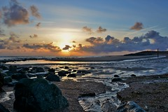 kabbelend zeewater (Omroep Zeeland) Tags: strand natuur zeeland zee zon vlissingen ondergaande nollestrand zeewater kabbelend