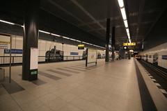 U-Bahnhof (U55) Hauptbahnhof (Pascal Volk) Tags: berlin underground subway metro platform bahnhof wideangle railwaystation ubahn wa ww subwaystation 16mm mainstation centralstation ubahnstation metrostation ubhf superwideangle undergroundrailway sww berlinhauptbahnhof bvg berlinmitte uwa weitwinkel swa rapidtransit vbb ultrawideangle metrosystem uww untergrundbahn ubf ubahnhaltestelle berlinubahn ultraweitwinkel superweitwinkel berlinerverkehrsbetriebe u55 canonef1635mmf4lisusm canoneos6d uhst