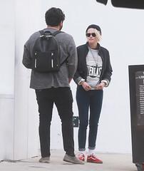 FFN_IMAGE_52039307 FFN_SET_70006171 (robstensimplesmente.amor) Tags: usa sunglasses jeans beverlyhills redshoes blackhat blacktop kristenstewart