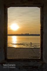 IMG_9837 (Churruk) Tags: sol contraluz atardecer ventana andaluca agua huelva movimiento personas cielo reflejo naranja horizonte islacanela