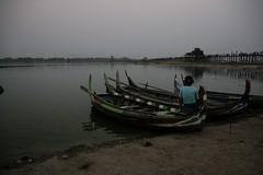 U Being bridge (rongpuk) Tags: bridge sunset people boats burma myanmar amarapura birmania ubeingbridge