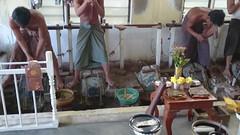 20151221_144910-MOV_0922 (dudegeoff) Tags: asia december myanmar mandalay 2015 20151221imdydumplingsandgoldhammering goldhammering