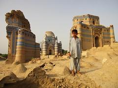 Pakistan Uch Sharif Sufi Shrine (Photo Index) Tags: pakistan boy sharif shrine sufi uch