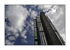 Torre Este - Parque Central (fredocarroz) Tags: sky building clouds venezuela edificio structure caracas cielo nubes estructura elconde danielfernndezshaw centrosimnbolvar